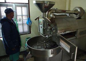 Pražící stroj thajské výroby